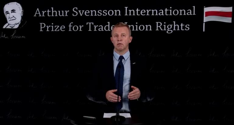 Svenssonprisvinnerne ble hedret med balkongkorsang og hyllest under digital seremoni