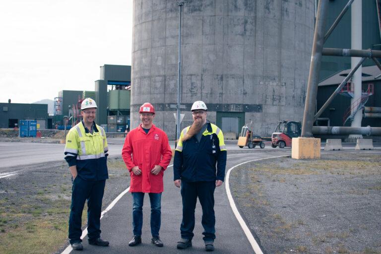 Se video fra besøk på aluminiumsverk i Mosjøen