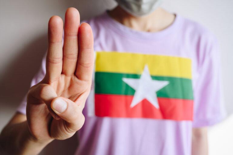 Avvis den burmesiske militærjuntaen